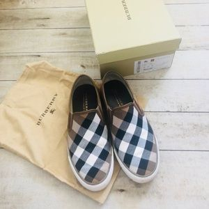 🍂🍂Burberry Shoes Size 8